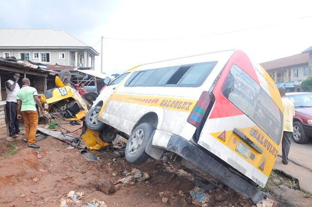 Eight escape as commercial bus summersaults in Anambra