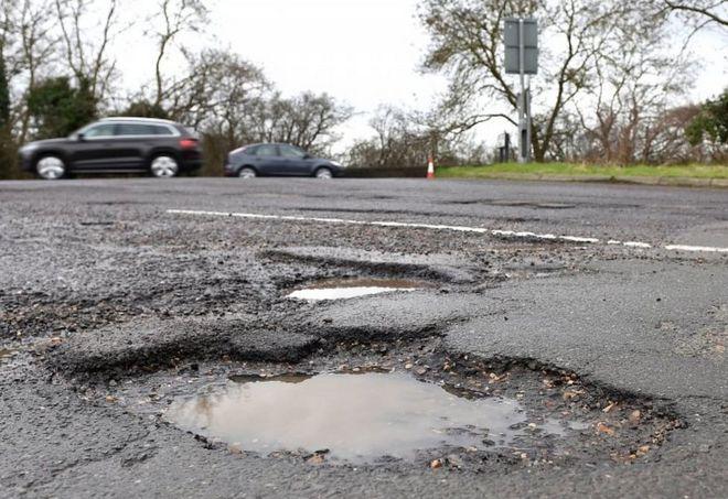 Enugu Suspends Fixing Of Potholes Due To Rains