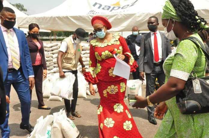 Ugwuanyi's Wife Shares First Lady Aisha Palliatives To Indigent Women