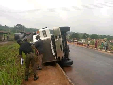 One Dead As Truck Rams Into Bus In Anambra
