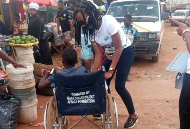 Teen Beggar Gets Wheelchair From NANA SmileProject In Anambra