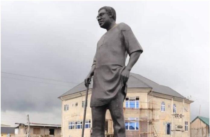 Abia's Ikpeazu Unveils Ex-Works Minister Statue, Late Paul Ururuka (1)