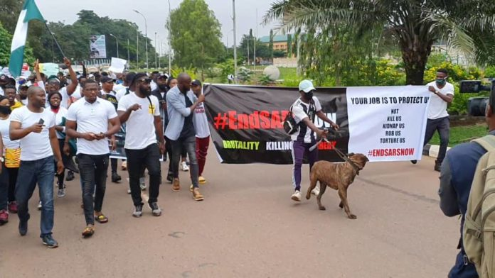 EndSARS: Tension in Enugu as protesters block, make bonfires along major roads