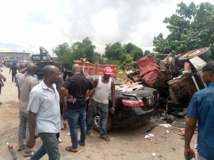 Shops Razed, 13 Injured In Anambra Auto Crashes