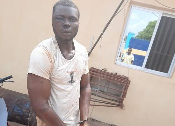 Police Rescue Notorious Armed Robber From Angry Mob In Anambra