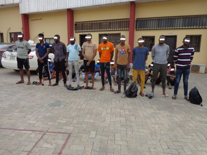29 Internet Fraudsters Arrested In Awka By EFCC
