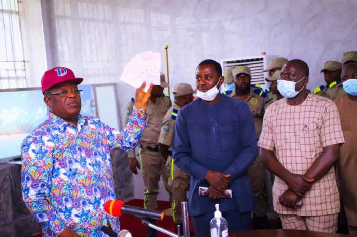 Massacre: Umahi Imposes Curfew On Ebonyi Entry Points