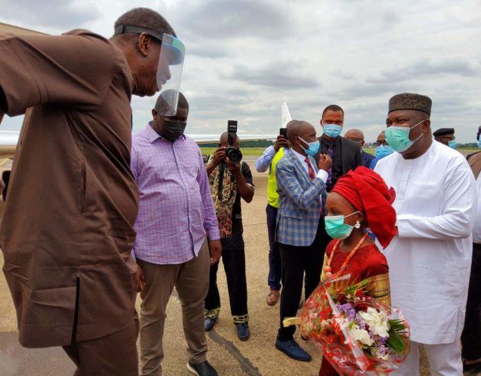 Governor Ugwuanyi Receives Pastor Adeboye In Enugu