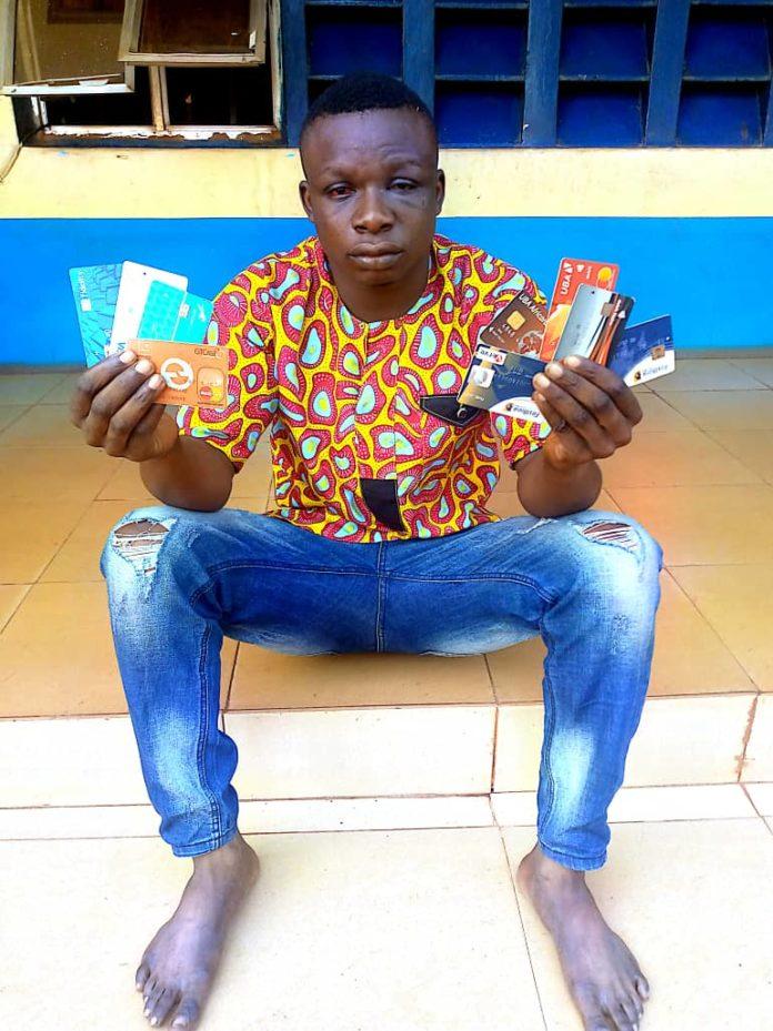 Police Arrest Fraudster, Recover 9 ATM Cards In Enugu