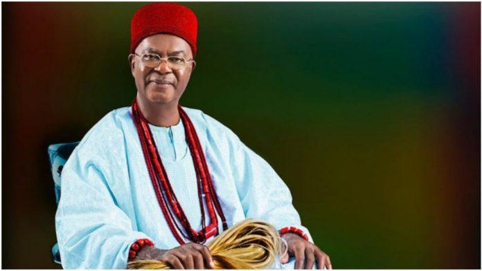 Buhari Congratulates Obi Of Onitsha, Achebe At 80
