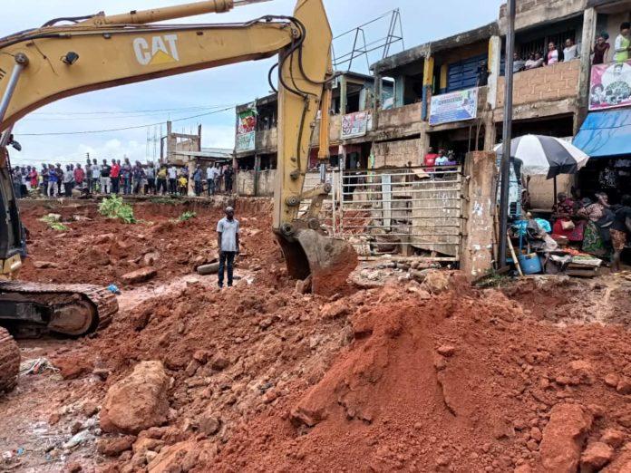 Enugu Demolishes 150 Illegal Shops, Reclaims Streets