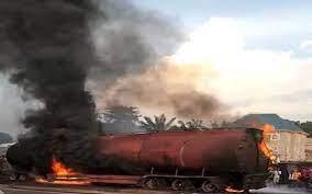 2 Killed, 14 Buses Burnt As Petrol Tanker Falls In Anambra