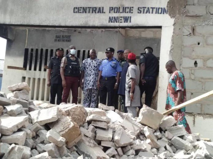 Gunmen Attack Police Station In Nnewi