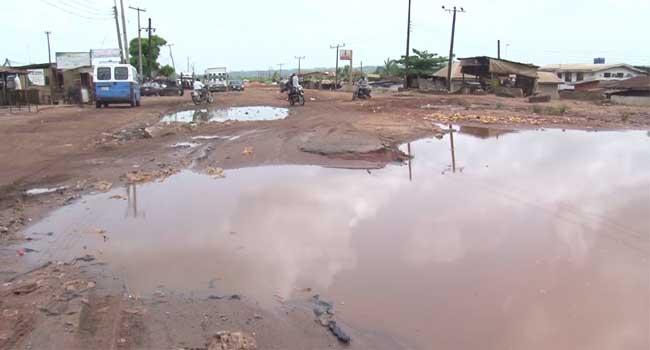 Ikpeazu Directs Immediate Work On Umuahia-Ikot Ekpene Road